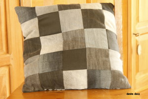 Zwart-grijs patchwork kussen